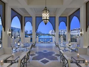 Alaya-Resort Amara Lobby Terrasse